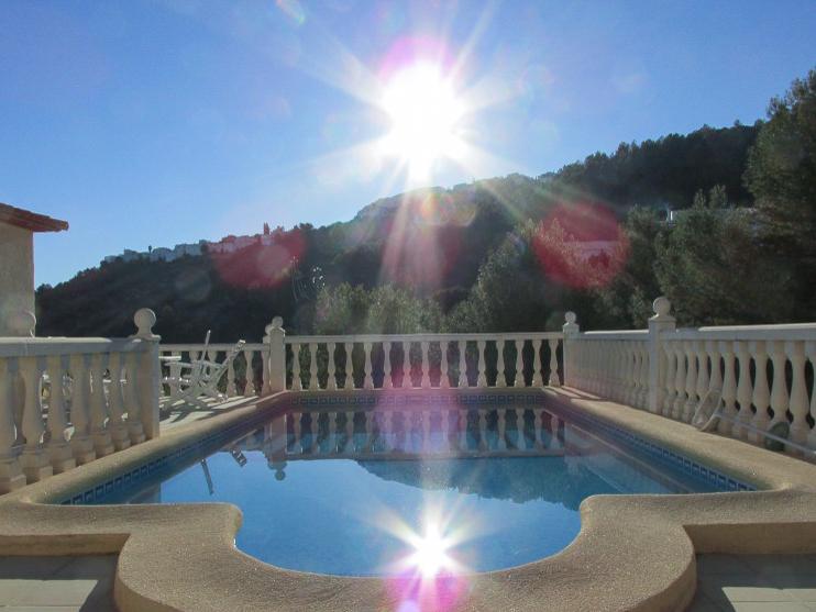 Casa Korell Pool am Morgen